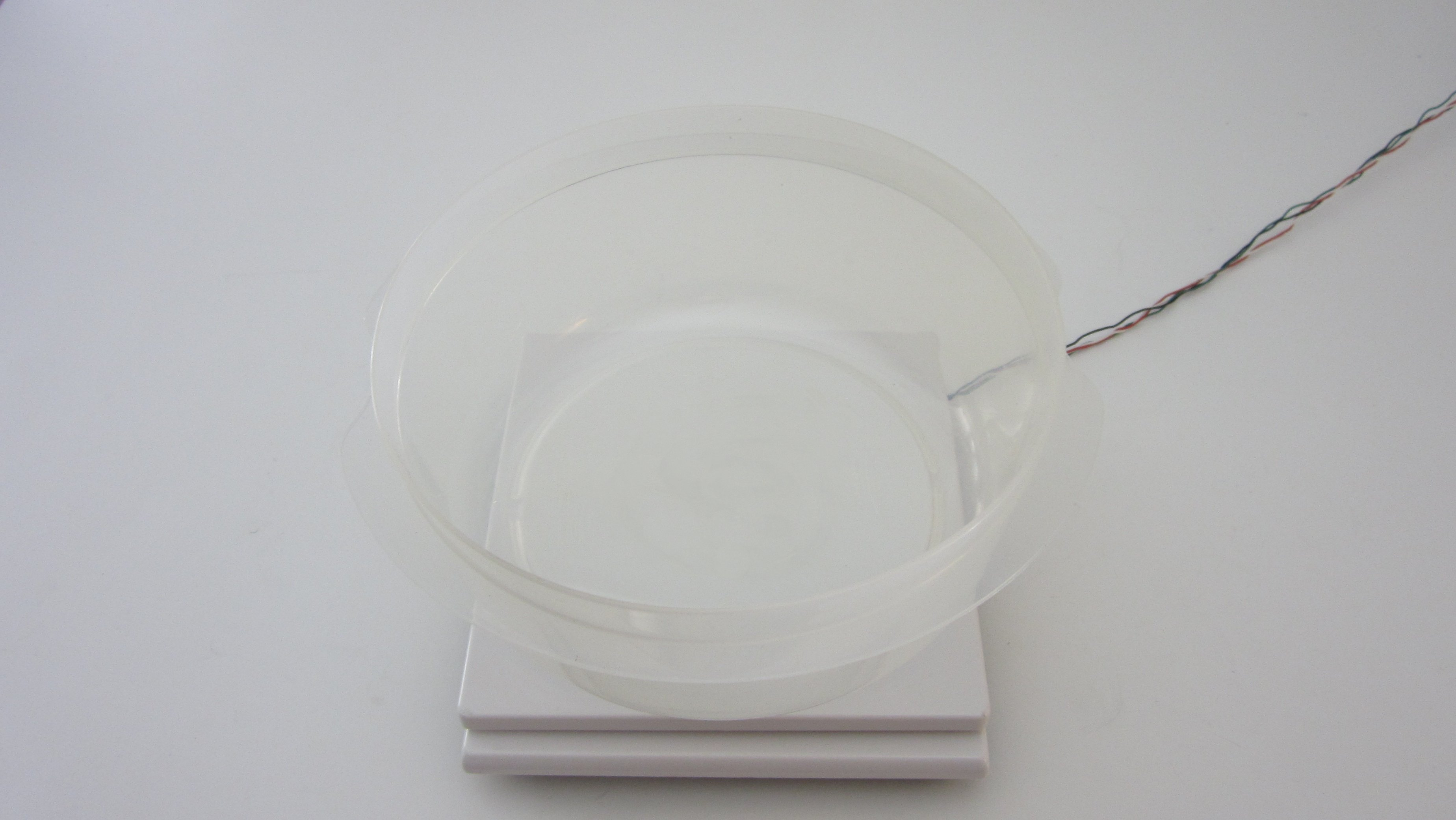 Picture of Mount a Bowl to the Plate to Catch the Snow