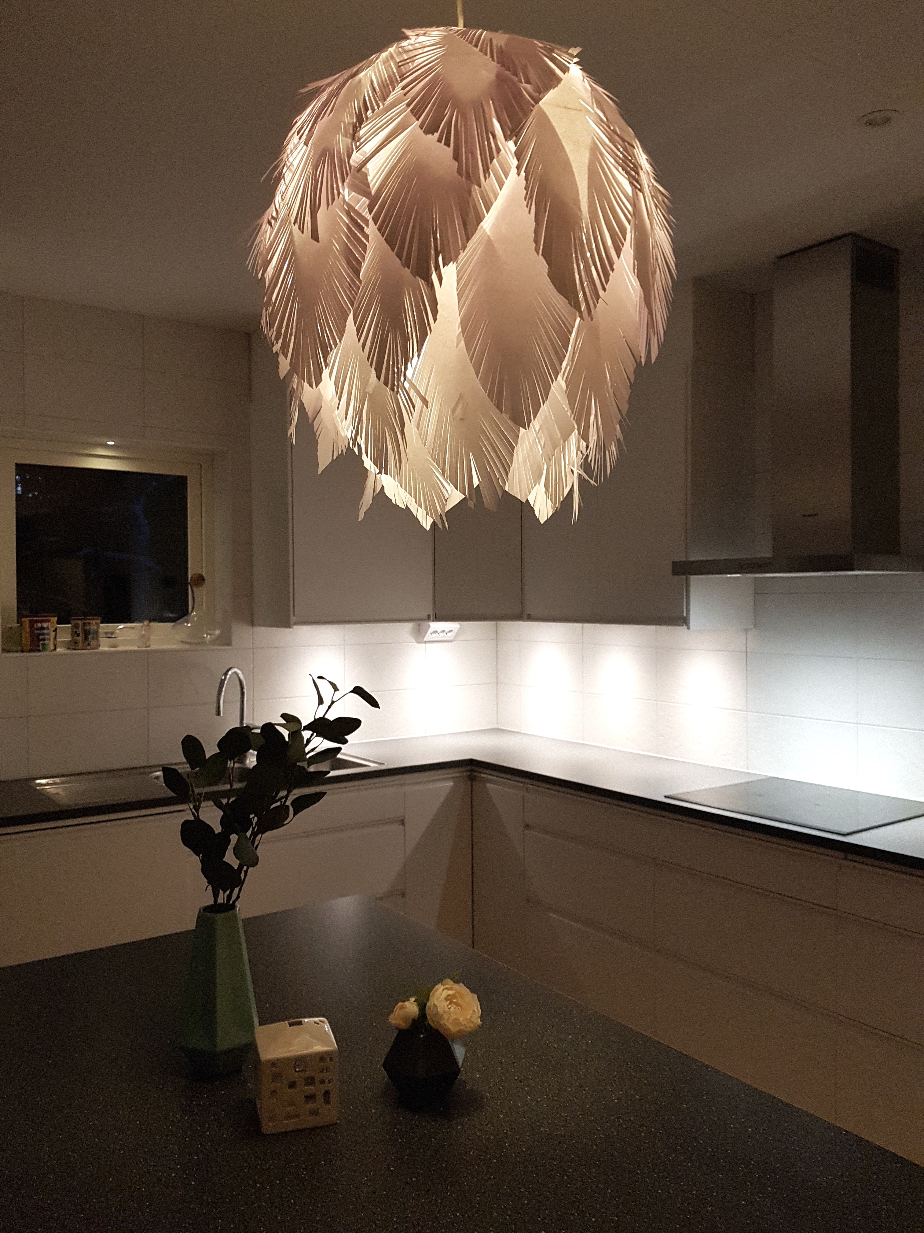 Picture of Paper Feather Lamp