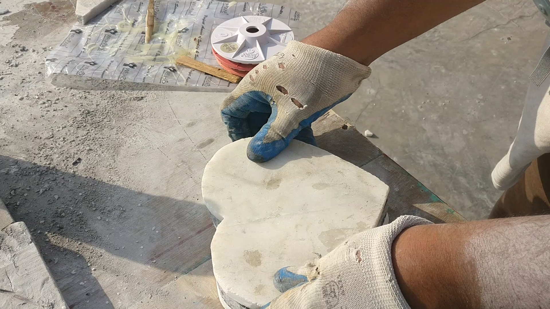 Picture of Glueing the Marble Pieces