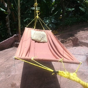 Hammock With Curved Stretcher Bars