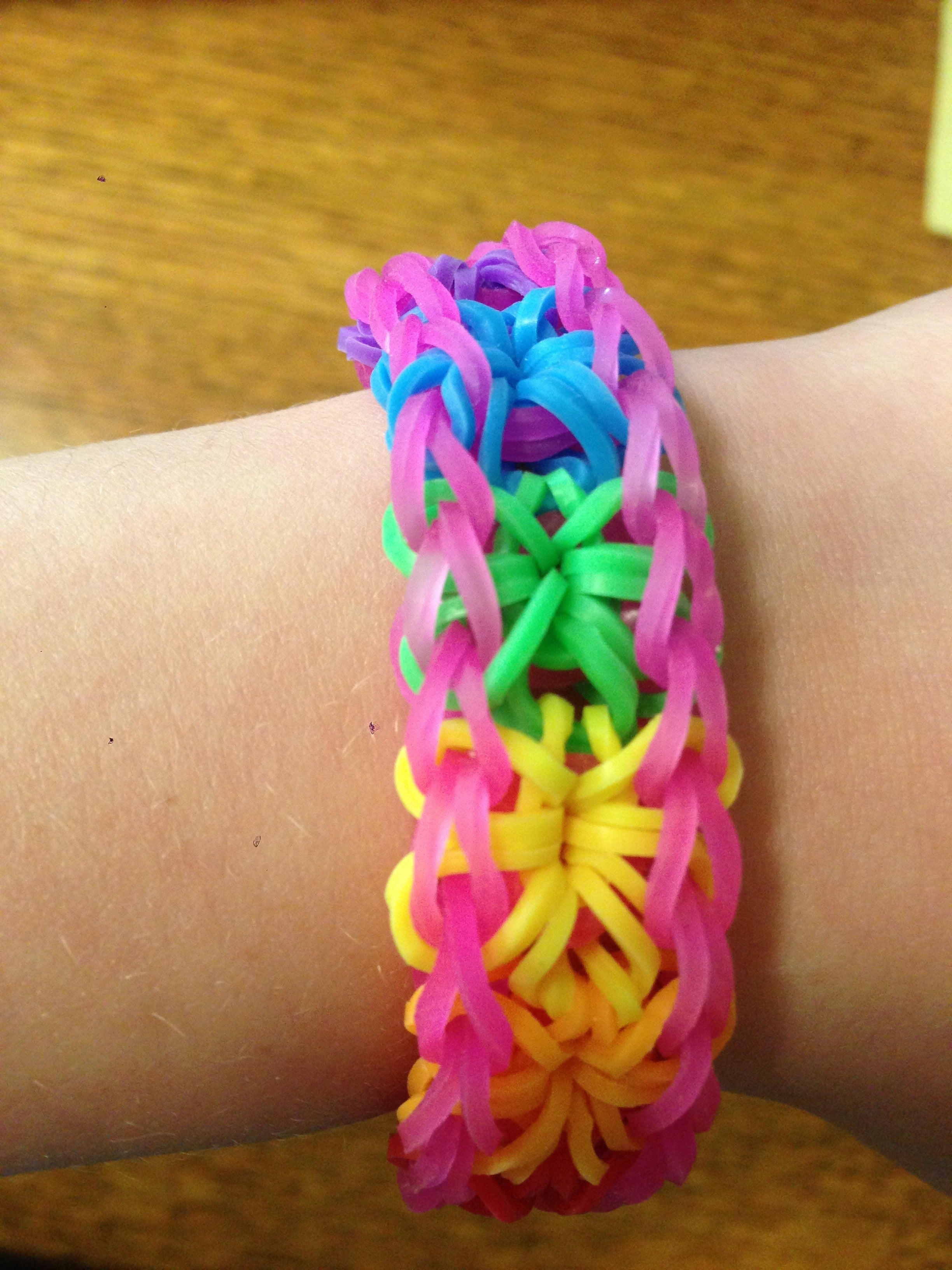 How To Make A Rainbow Loom Starburst Bracelet 18 Steps With Pictures Instructables