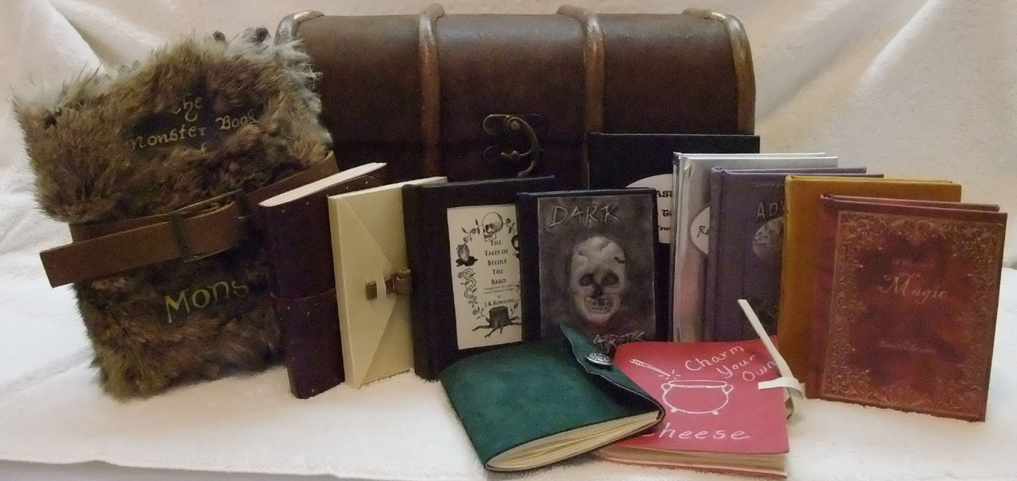 Picture of Harry Potter Trunk and Books