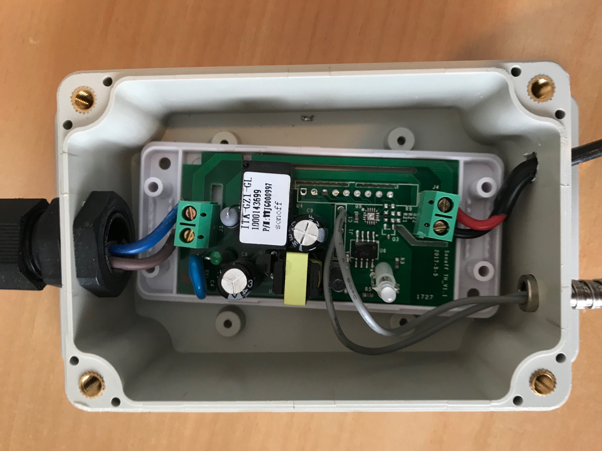 Picture of Connecting the Contact Sensor