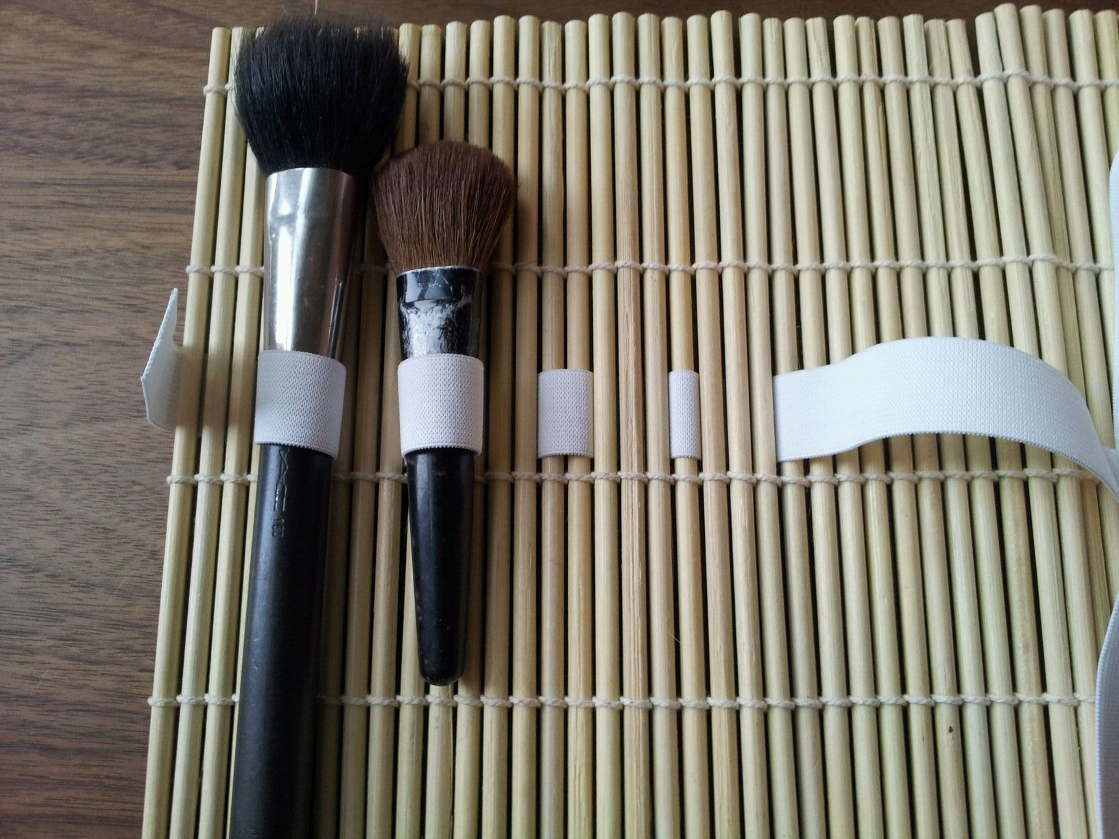 Picture of Placing Your Brushes and Weaving the Elastic Band