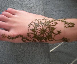 How to Make Henna Paste and Apply to Skin