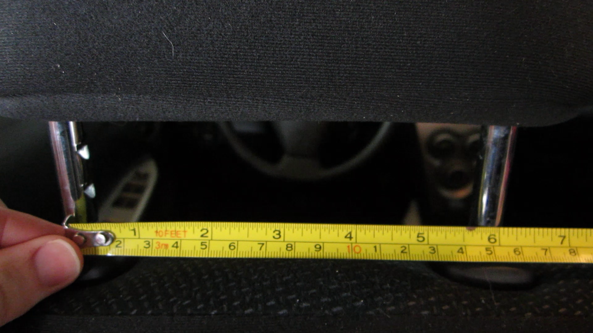 Picture of Measure the Space of the Headrest Supports