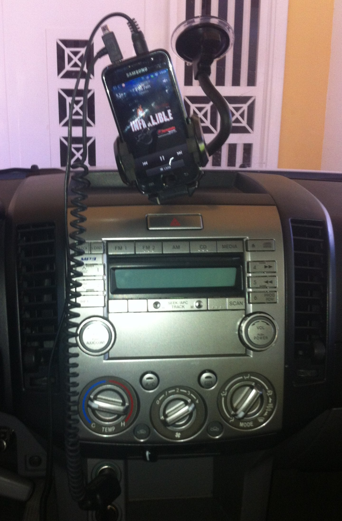 MP3 or Phone to Car Amp Without Head Unit / Como Conectar Mp3 ...