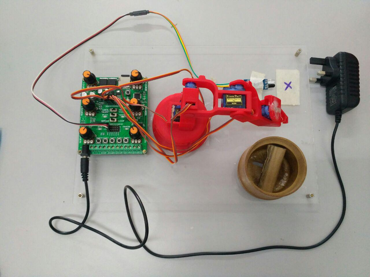 Picture of How to Control Robot Arm With 6 Channel Servo Player Without Coding