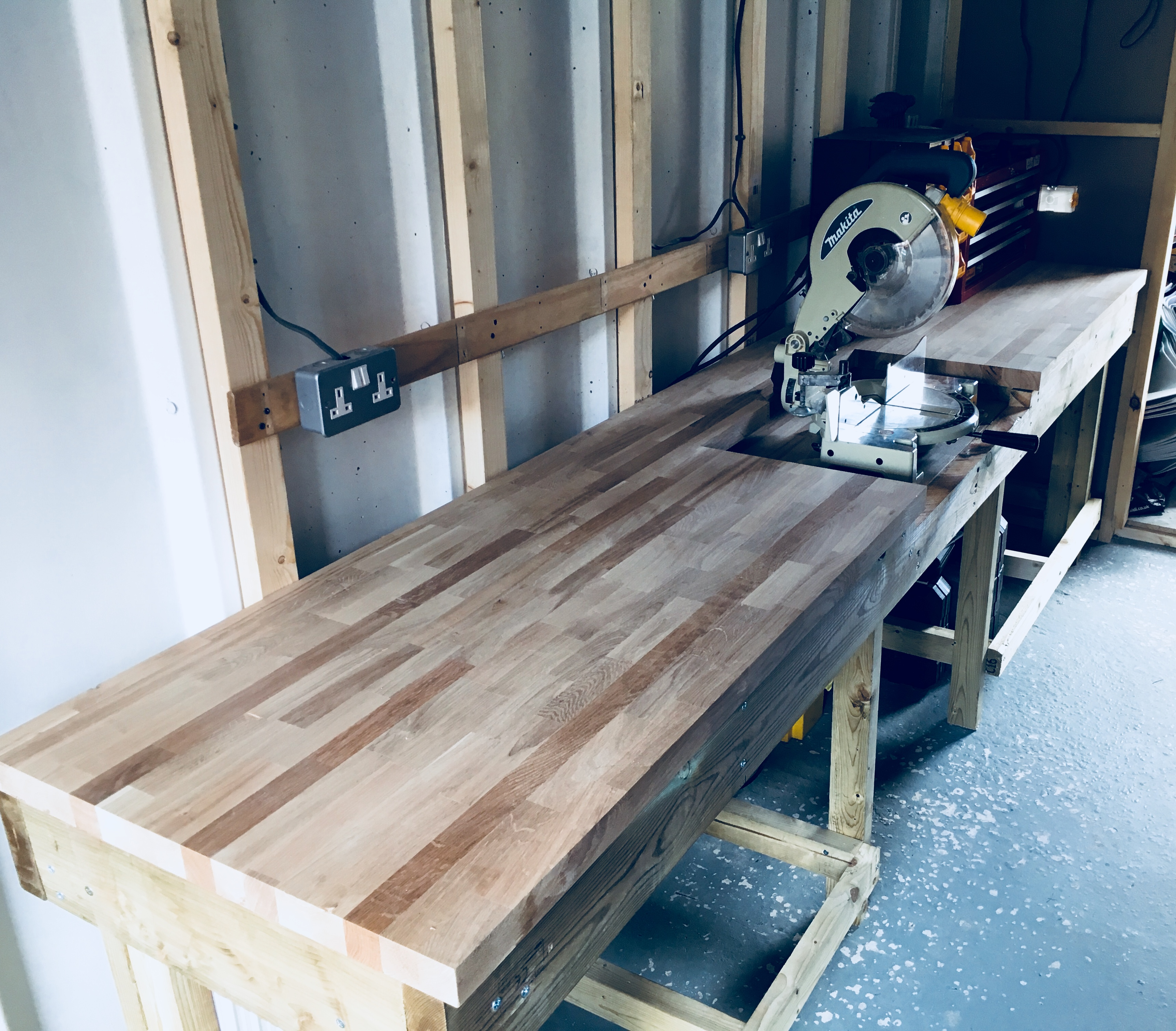 Picture of Heavy Duty Workbench With Chop Saw