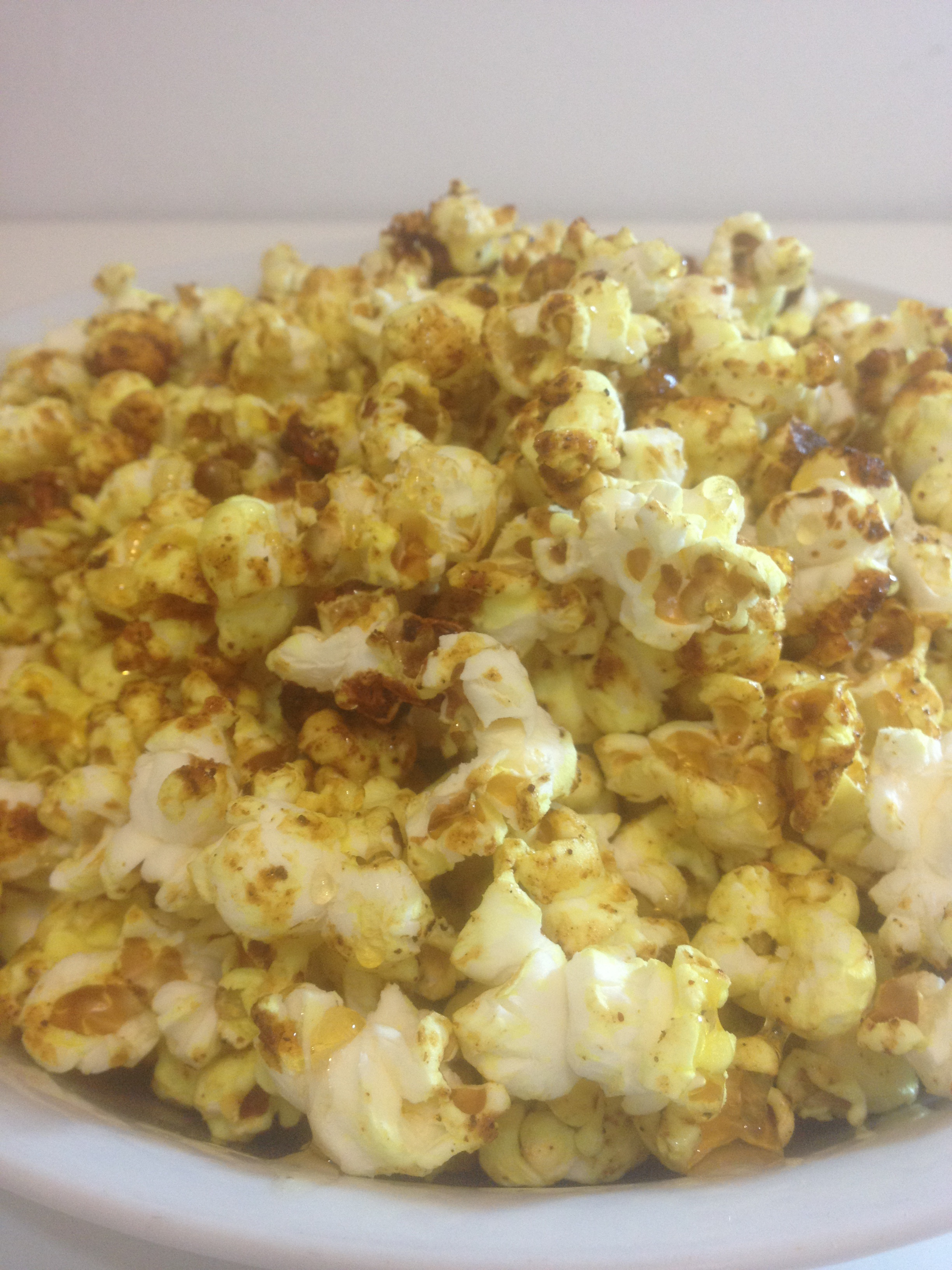 Picture of 5 Minute Sweet´n´Spicy Curry Popcorn With Honey