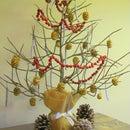 DIY Mini Xmas Tree From Palm Stalk