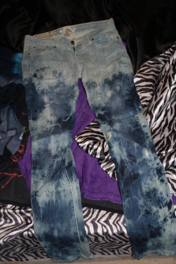 New Fashionable Jeans W/ Bleach