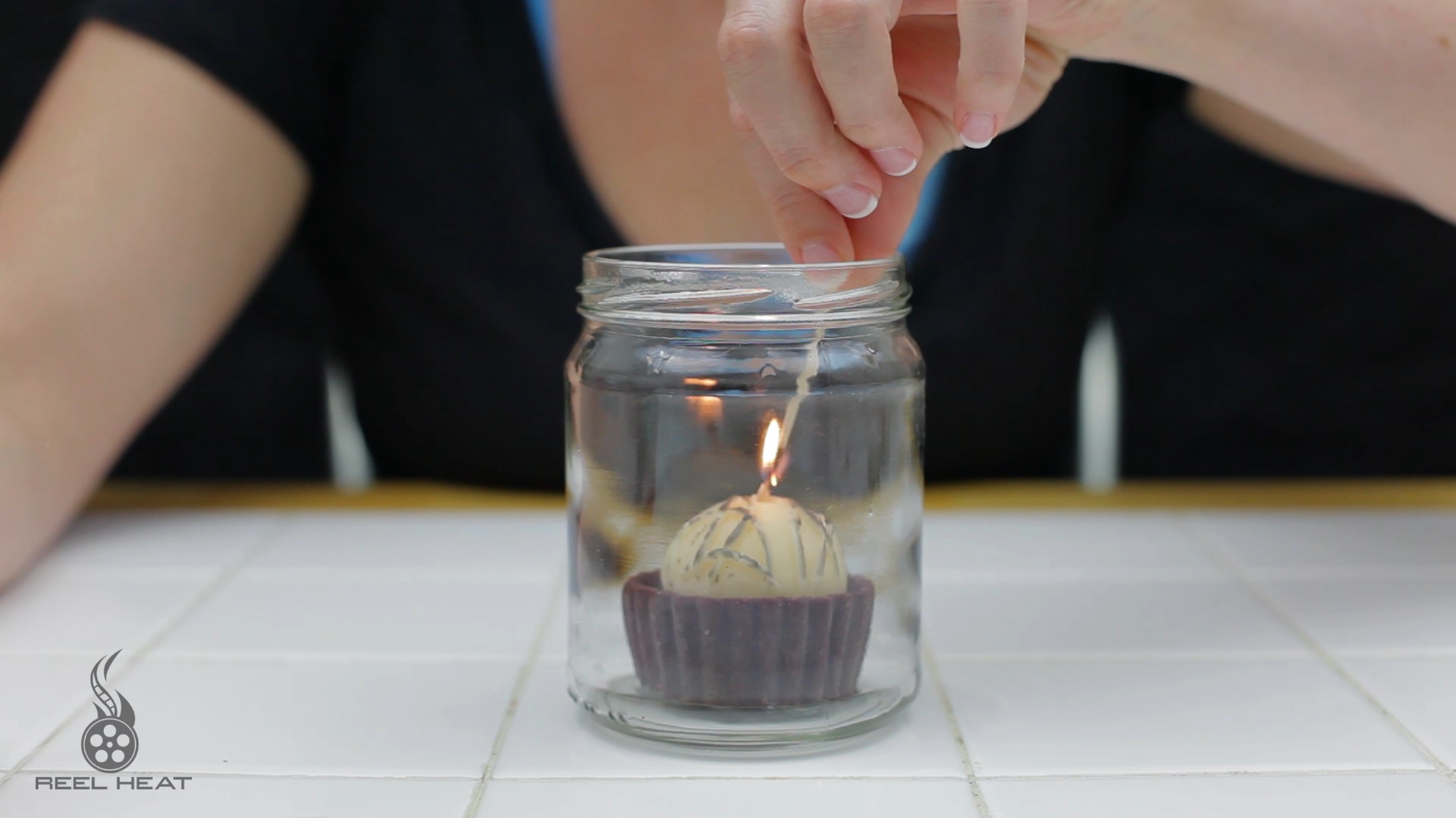 Picture of Finger Saving Light