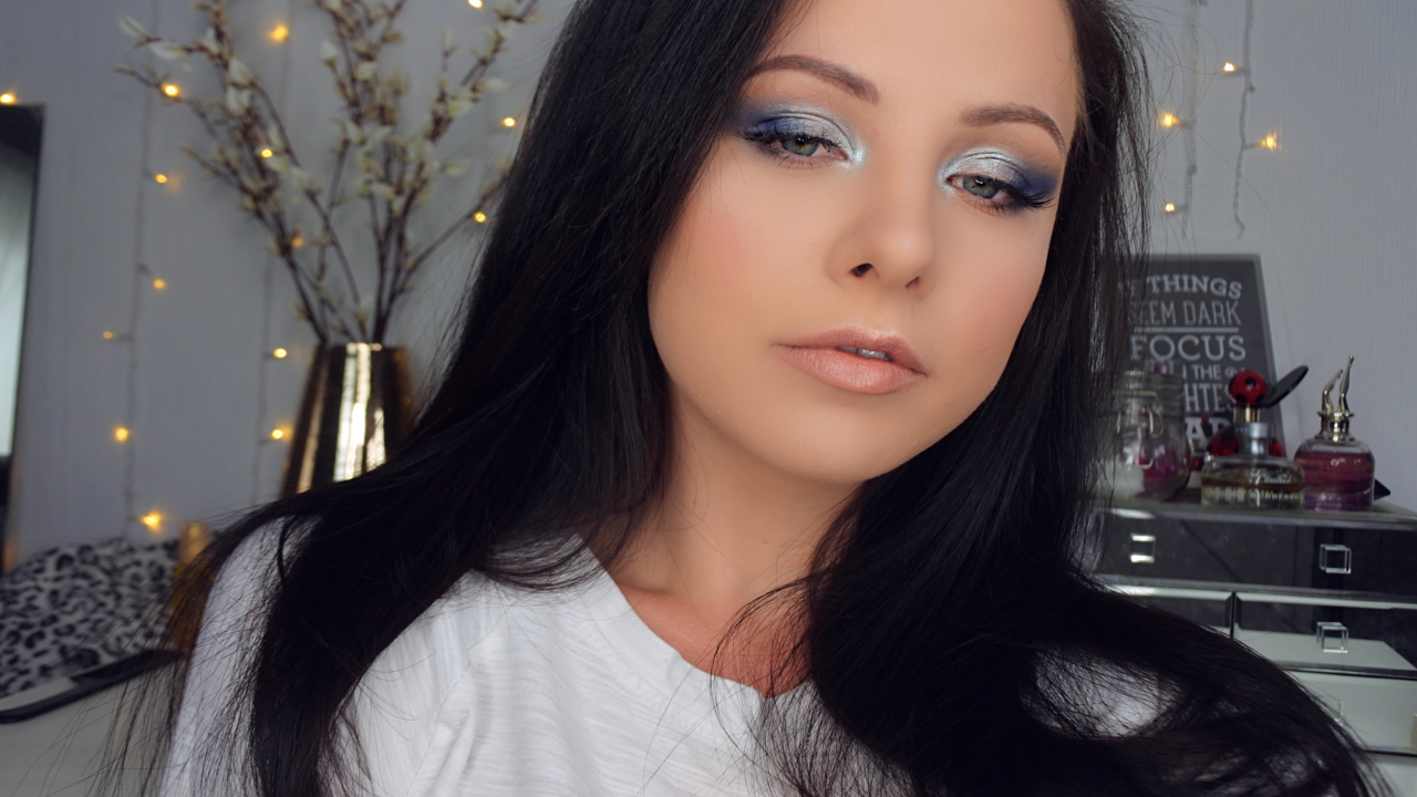 Picture of Quick Smokey Blue Makeup Look