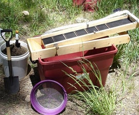 A recirculating sluice box for gold prospecting