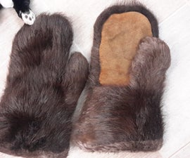 Woodland Cree gauntlet mitts