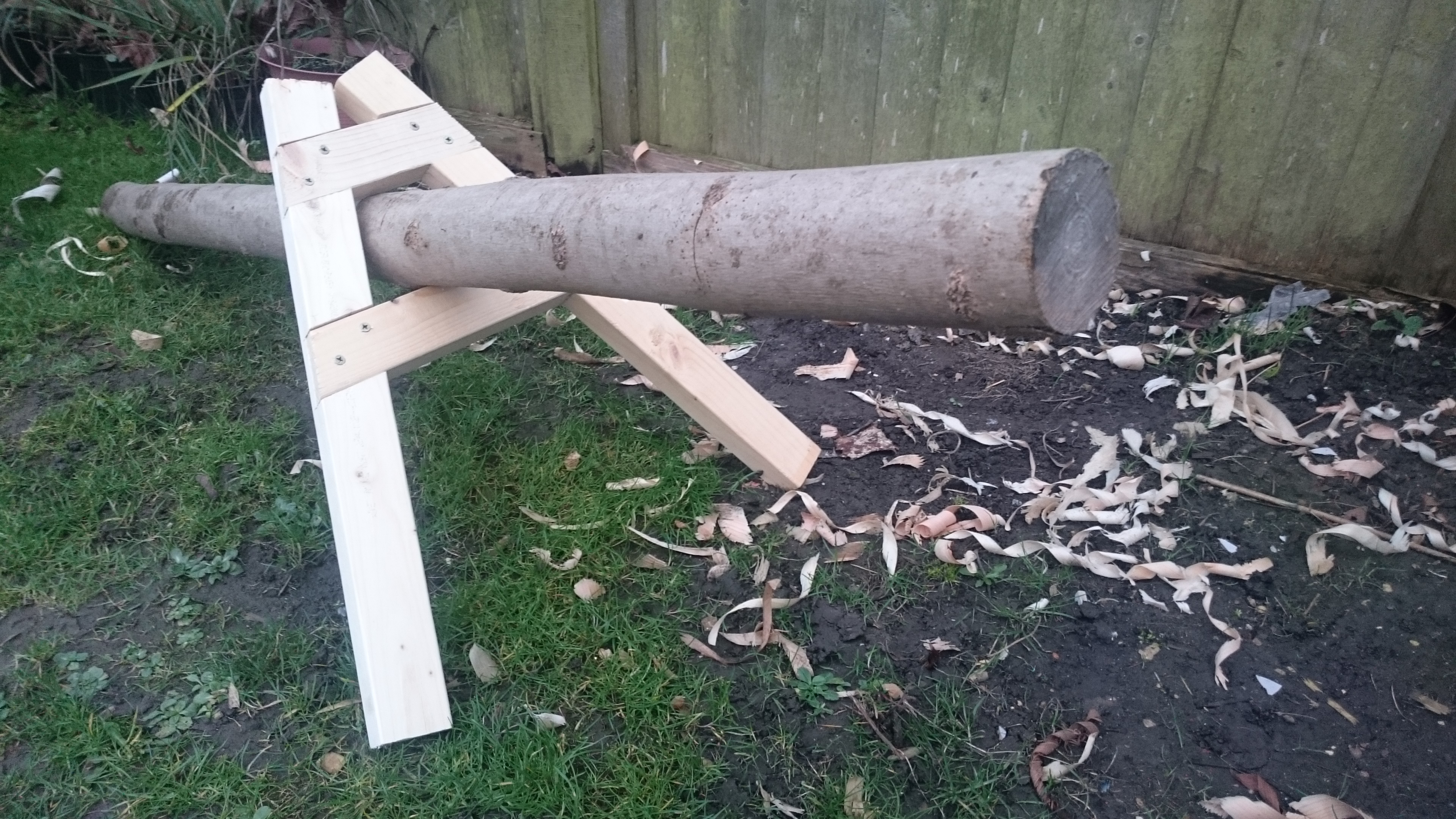 Picture of Log Holder for Hand Sawing