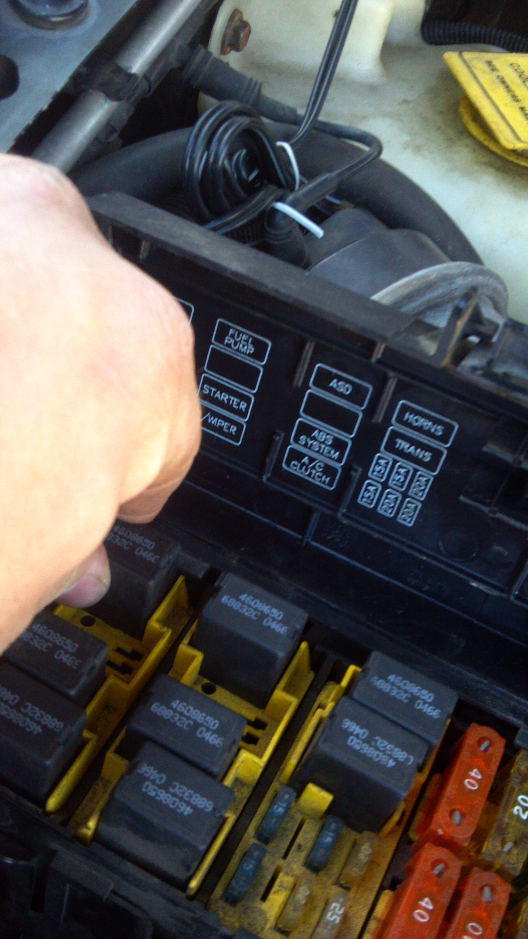 Picture of Pull the Fuel Pump Power Conection
