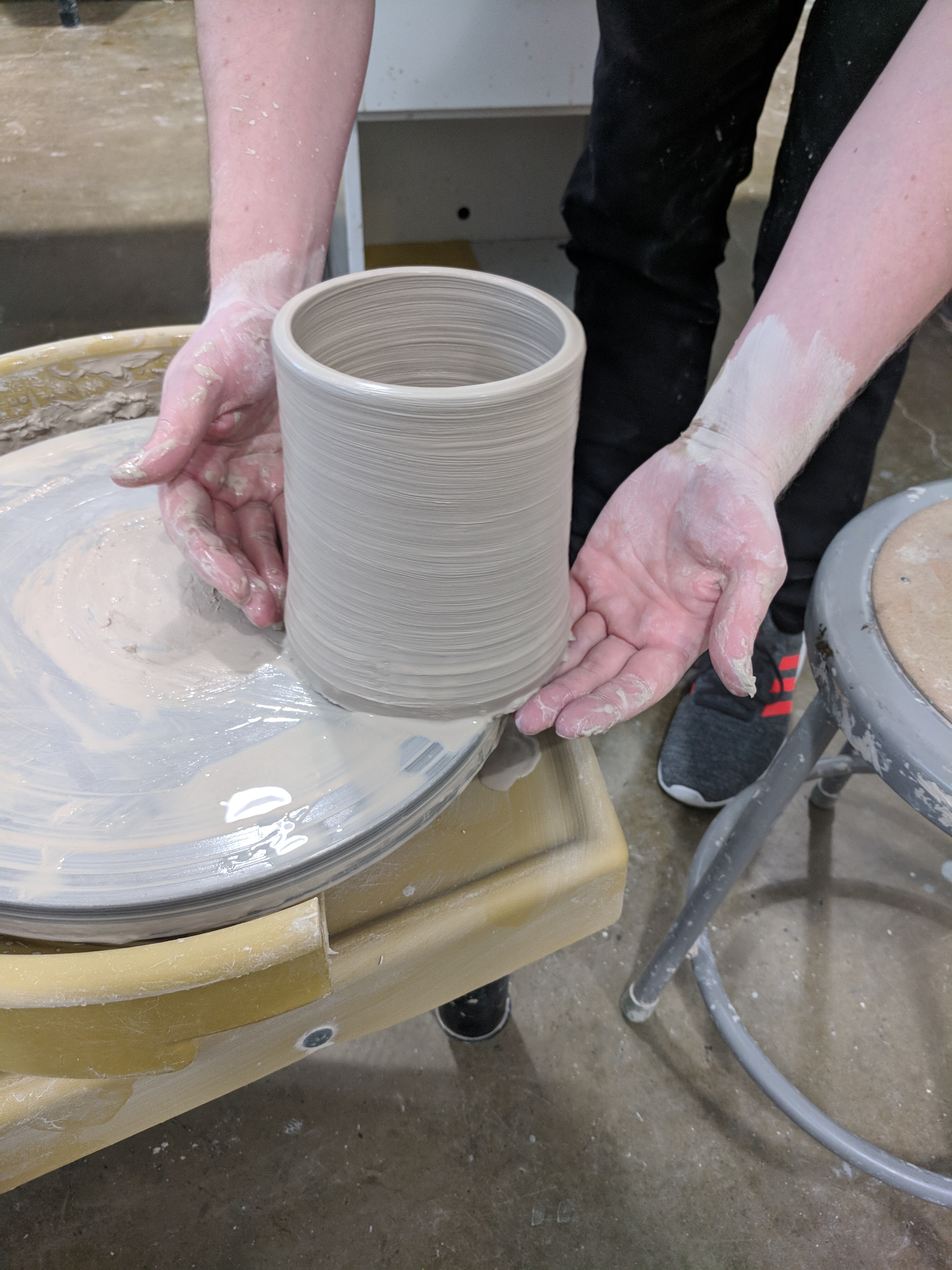 Picture of Throwing a Clay Cylinder on the Potters Wheel