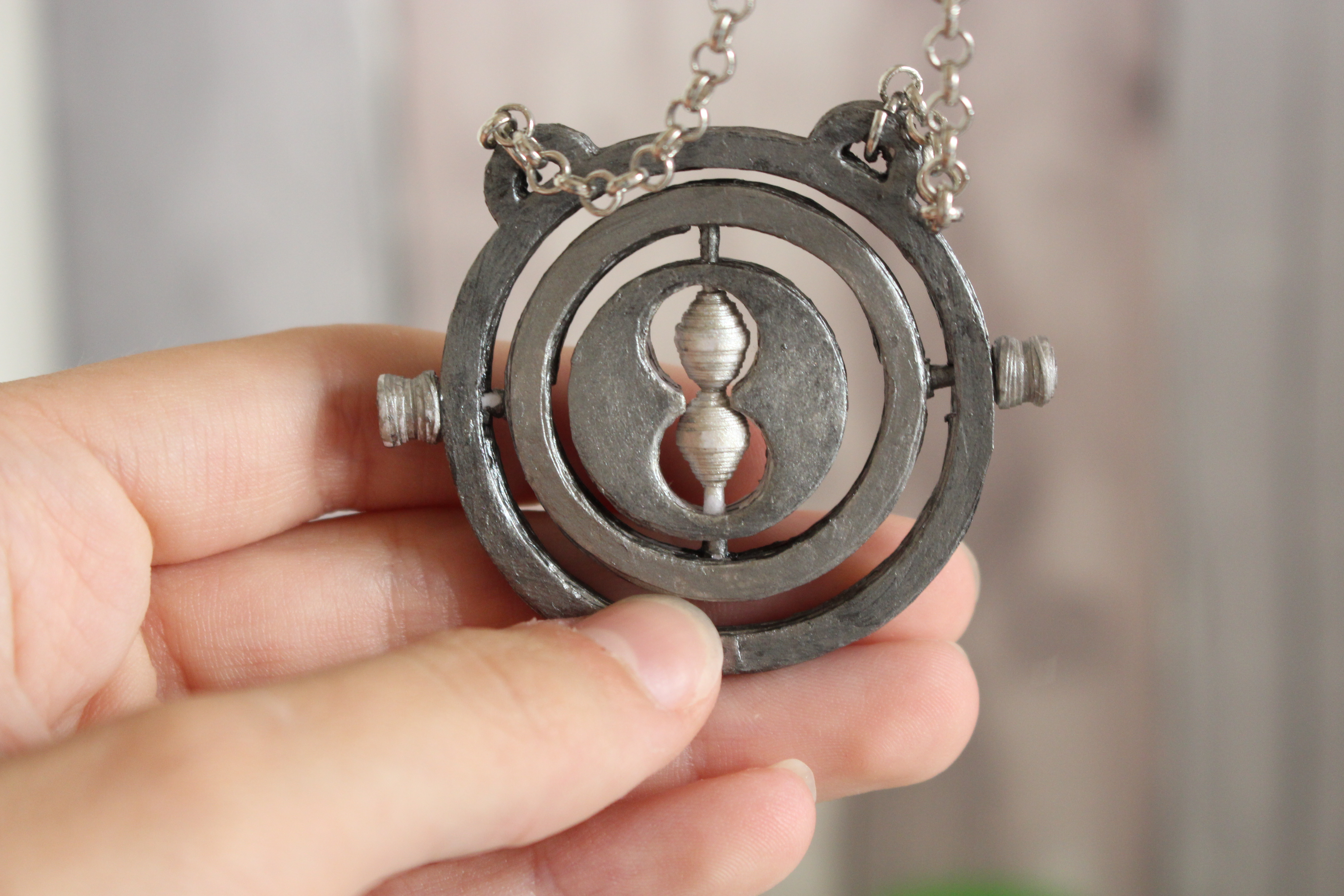 Picture of Paper Timeturner Necklace