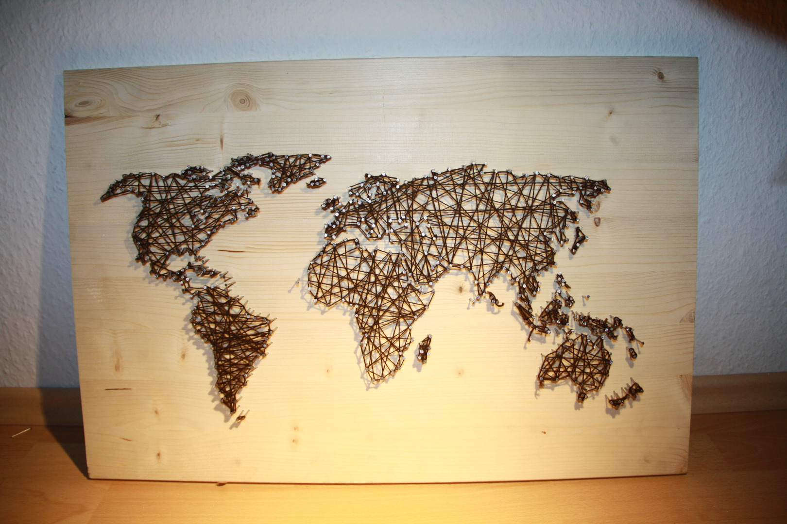 Picture of String and Nail Art  `World Map´