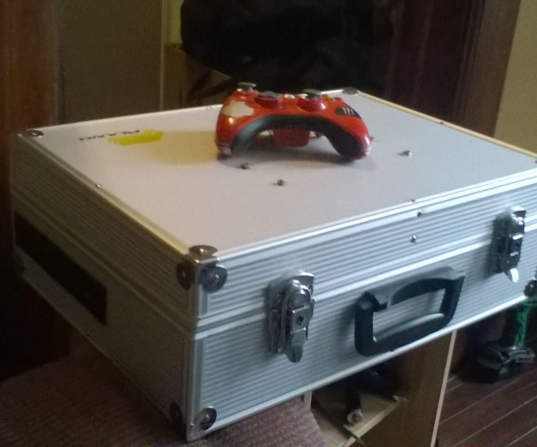 New Portable XBOX 360 With Monitor: 3 Steps (with Pictures