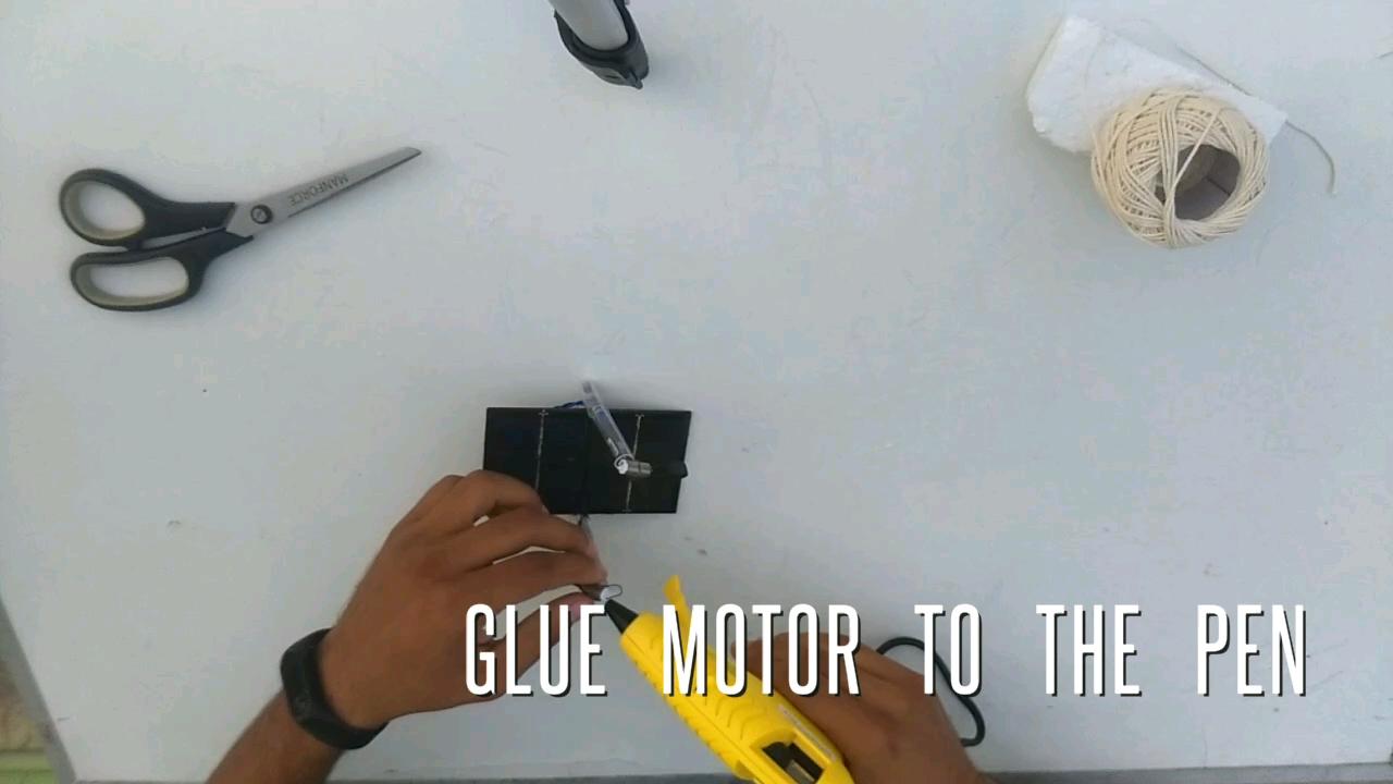 Picture of GLUE GUN ADVICE
