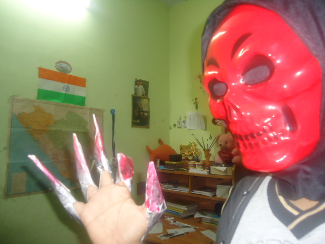 Picture of SCARY HALLOWEEN NAILS WITH PAPER