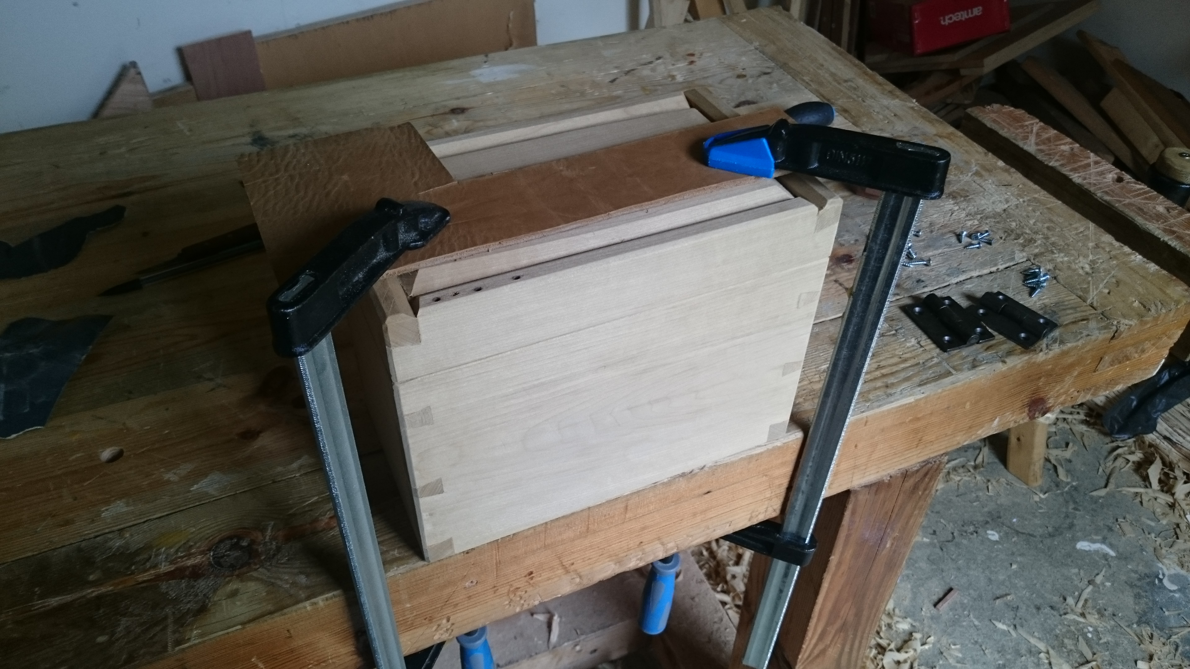 Picture of Attaching the Hinges