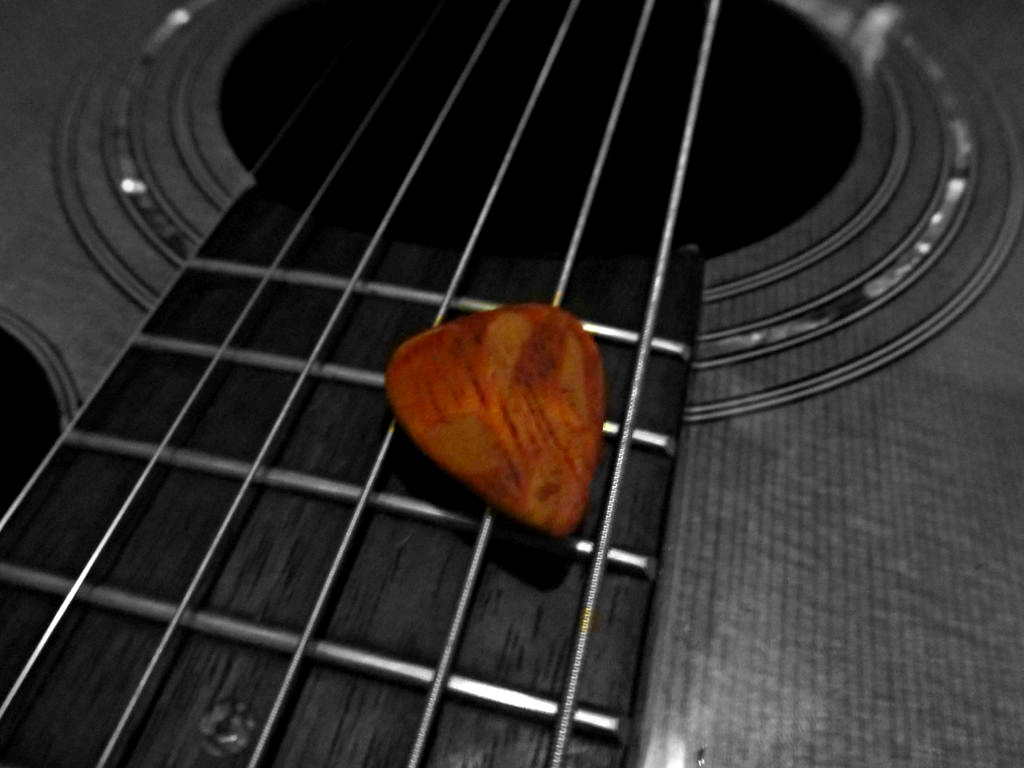 Picture of Making a Wooden Guitar Pick