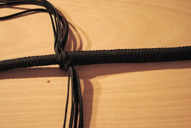 Picture of Plaiting the 12 Strands Outer Layer