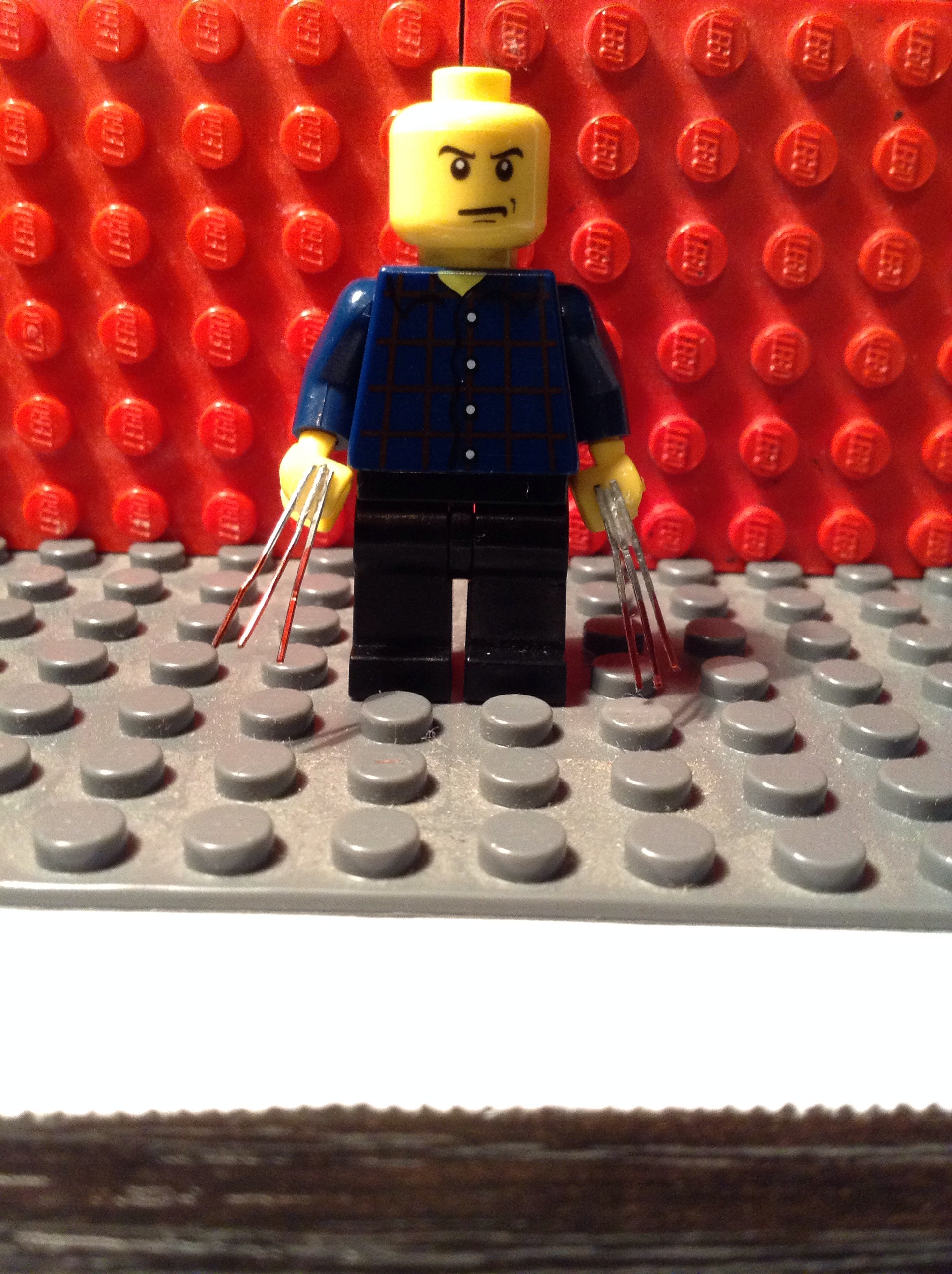 Picture of Metal Lego Wolverine Bloody Claws