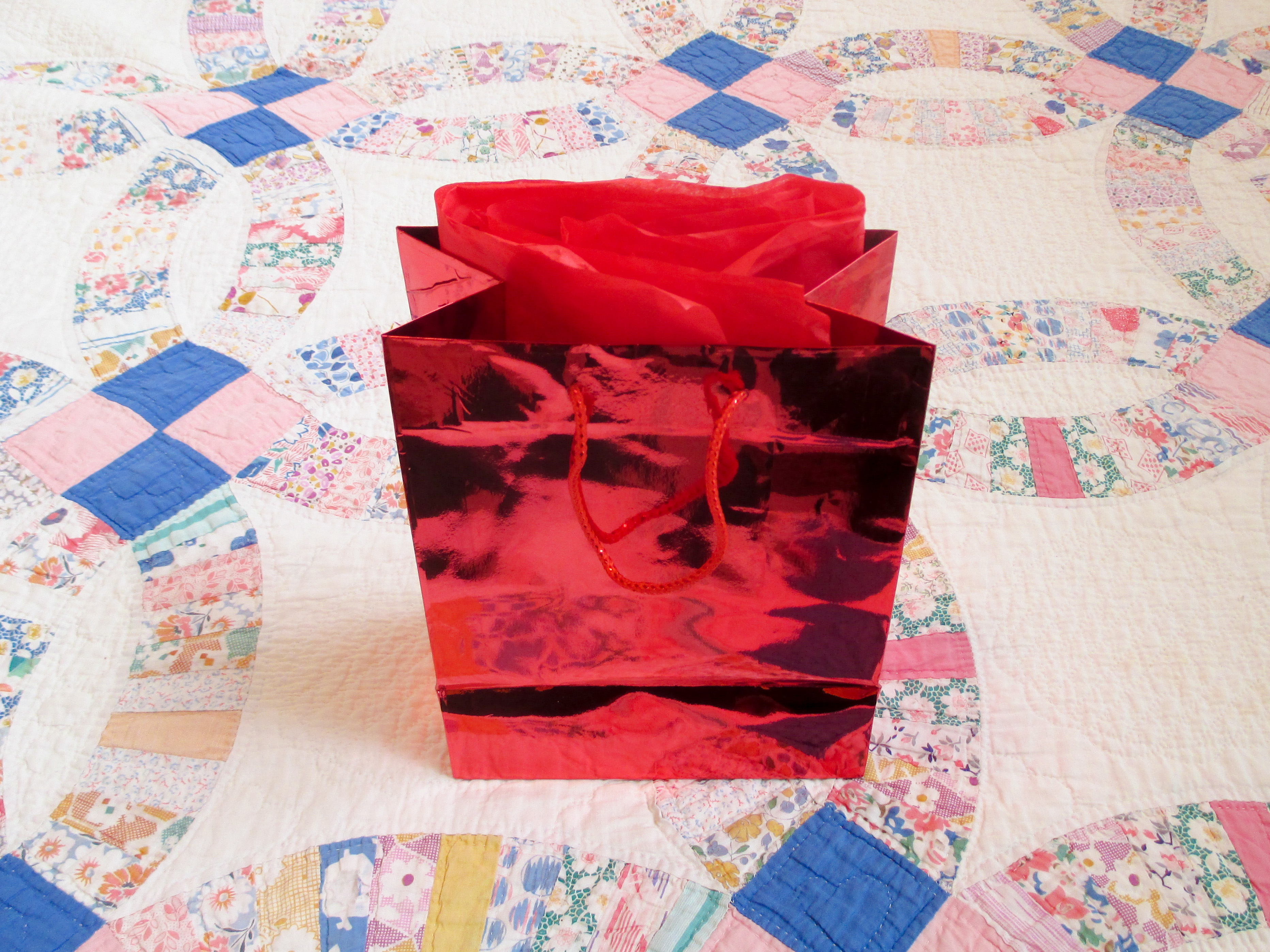 Picture of Package the Ornament As a Gift