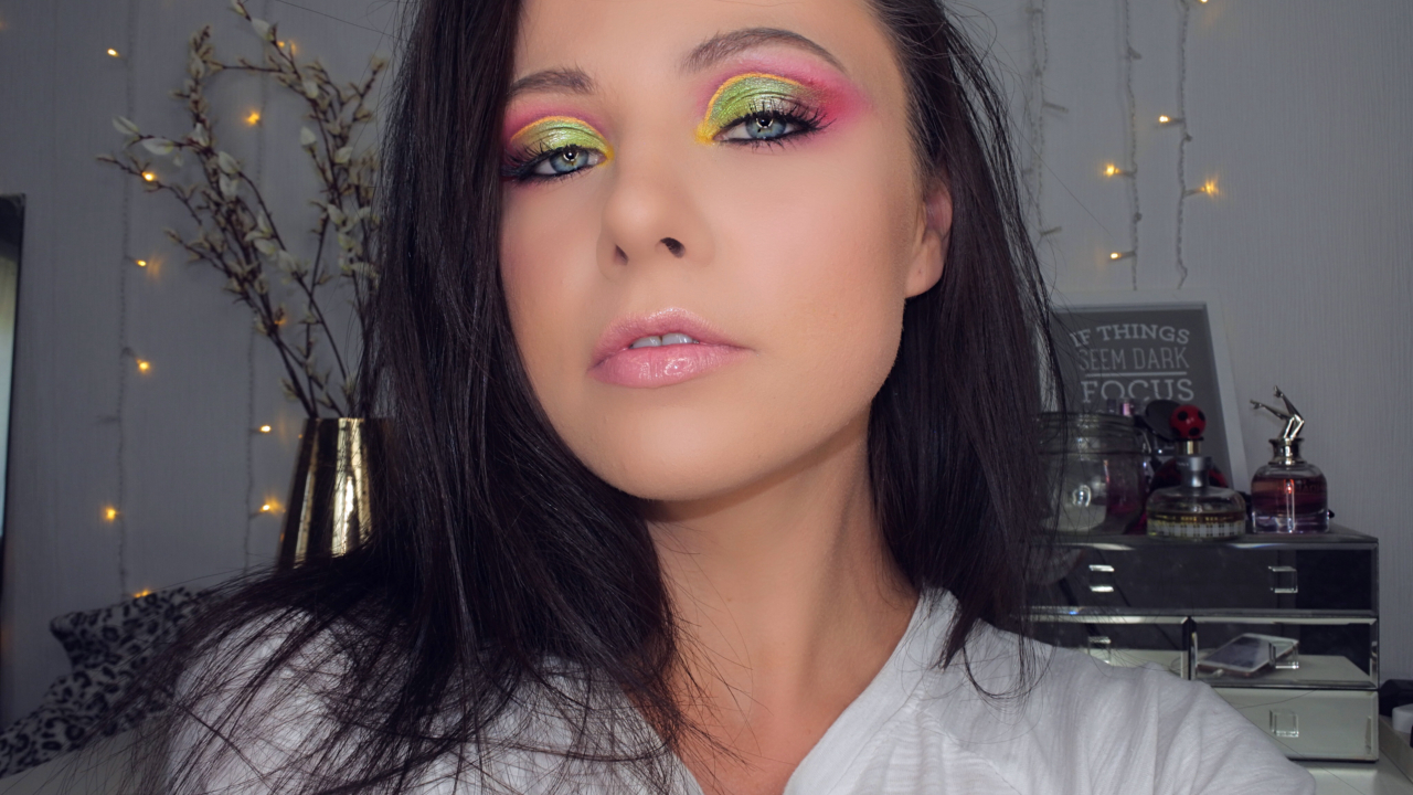 Picture of Dramatic Colourful Cut Crease
