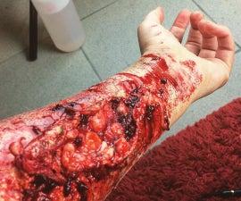 Gory flesh wound - SFX Tutorial