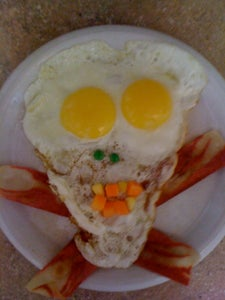 Scary Skull Eggs and Bacon (Vegetarian Style) Breakfast