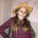 DIY Scarecrow for Halloween
