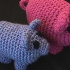 crochetPIG.jpg