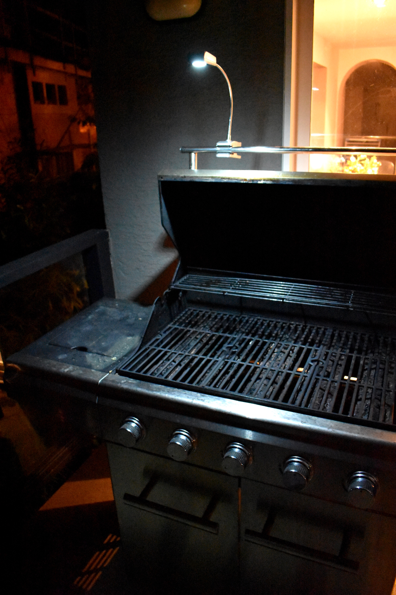 Picture of Automatic LED BBQ Light