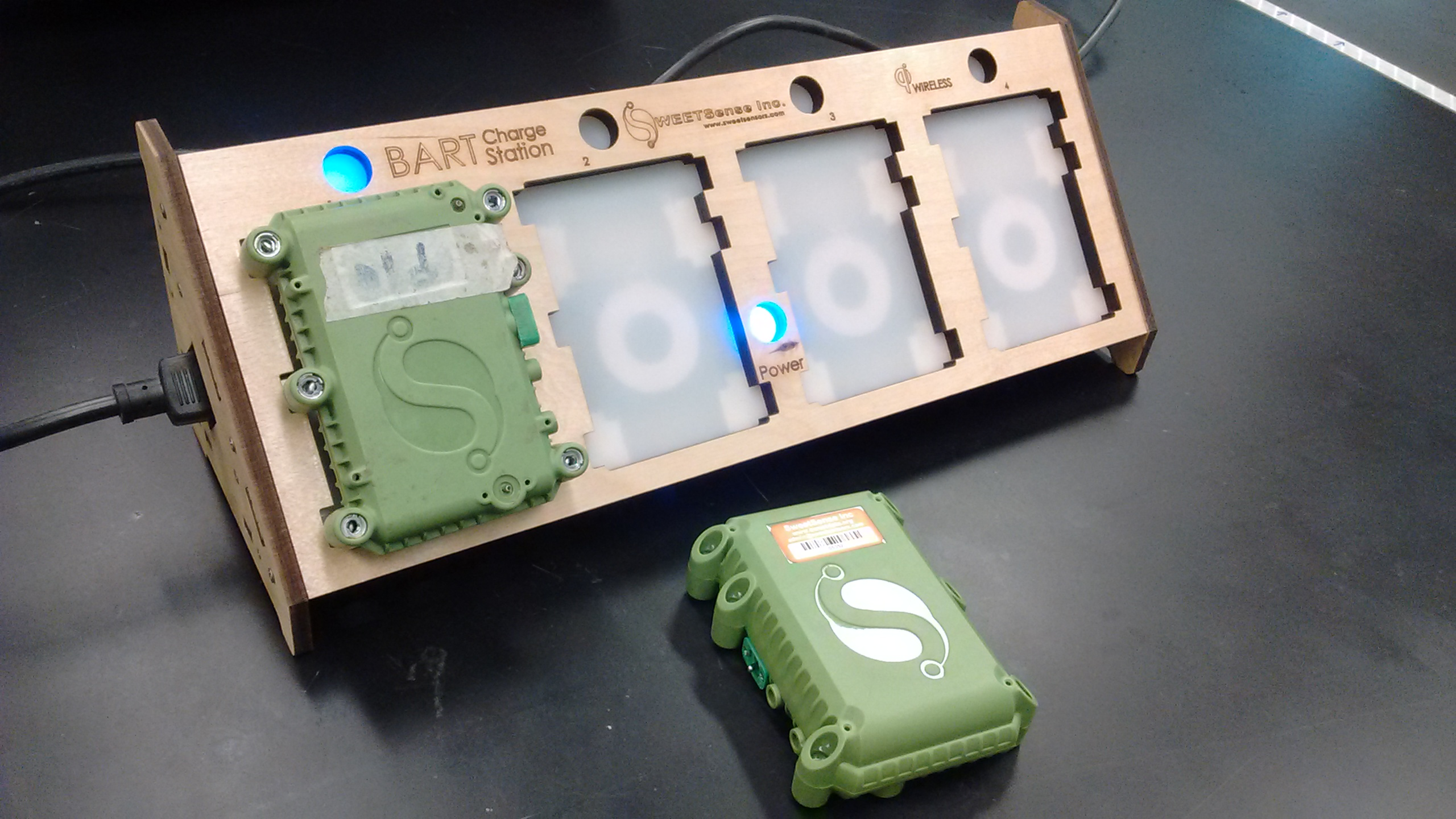 Picture of 4-up Wireless Qi Charger