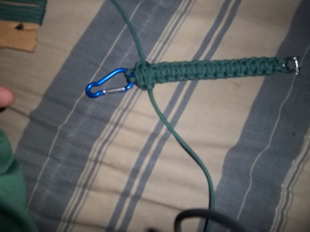 Picture of Making Paracord Cobra Weave 2 Layer