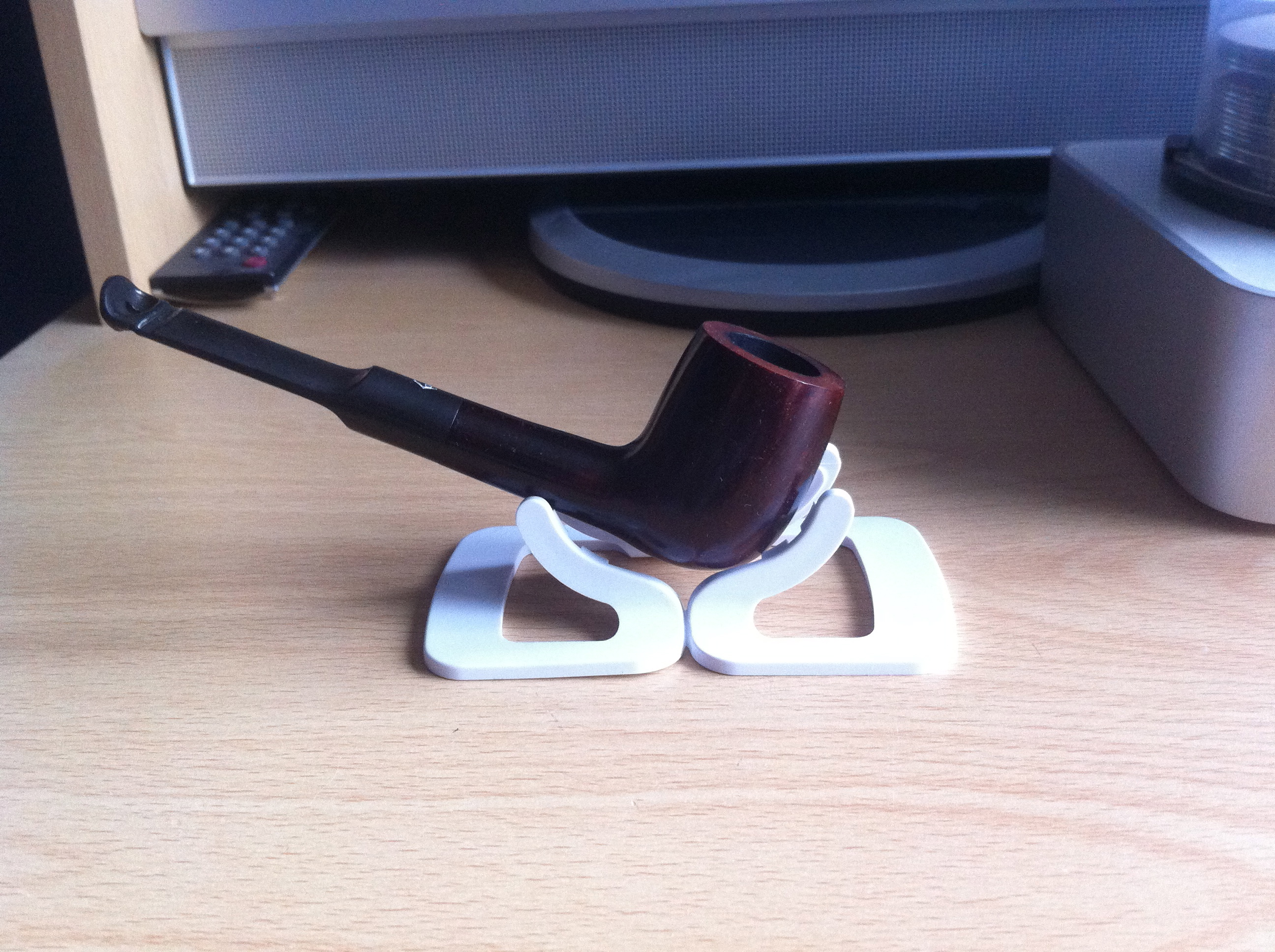 Picture of Tobacco Pipe Stand From Unused Wi-Fi Router Stand