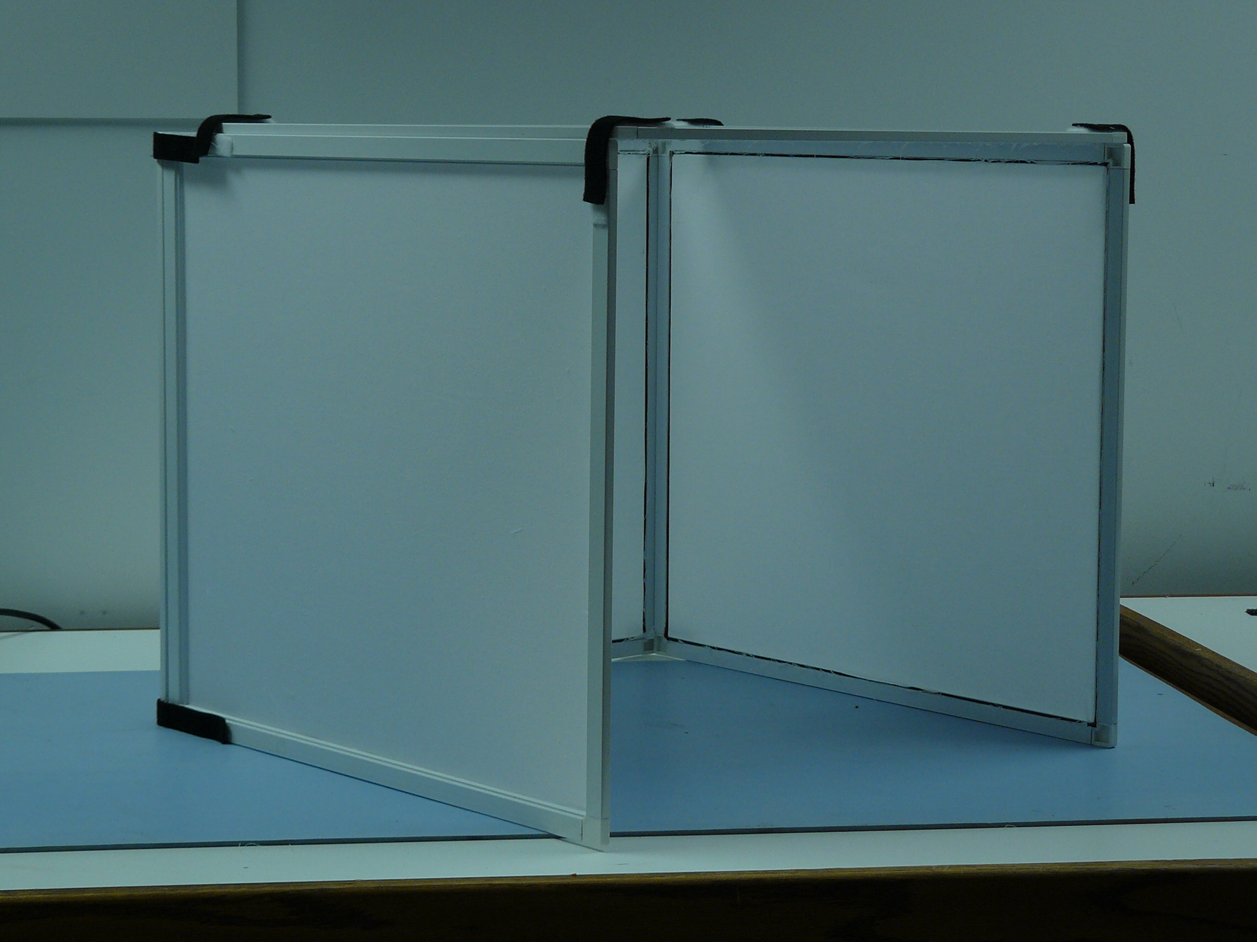 Picture of A $20/20min Commercial Quality Folding Light Box / Light Tent