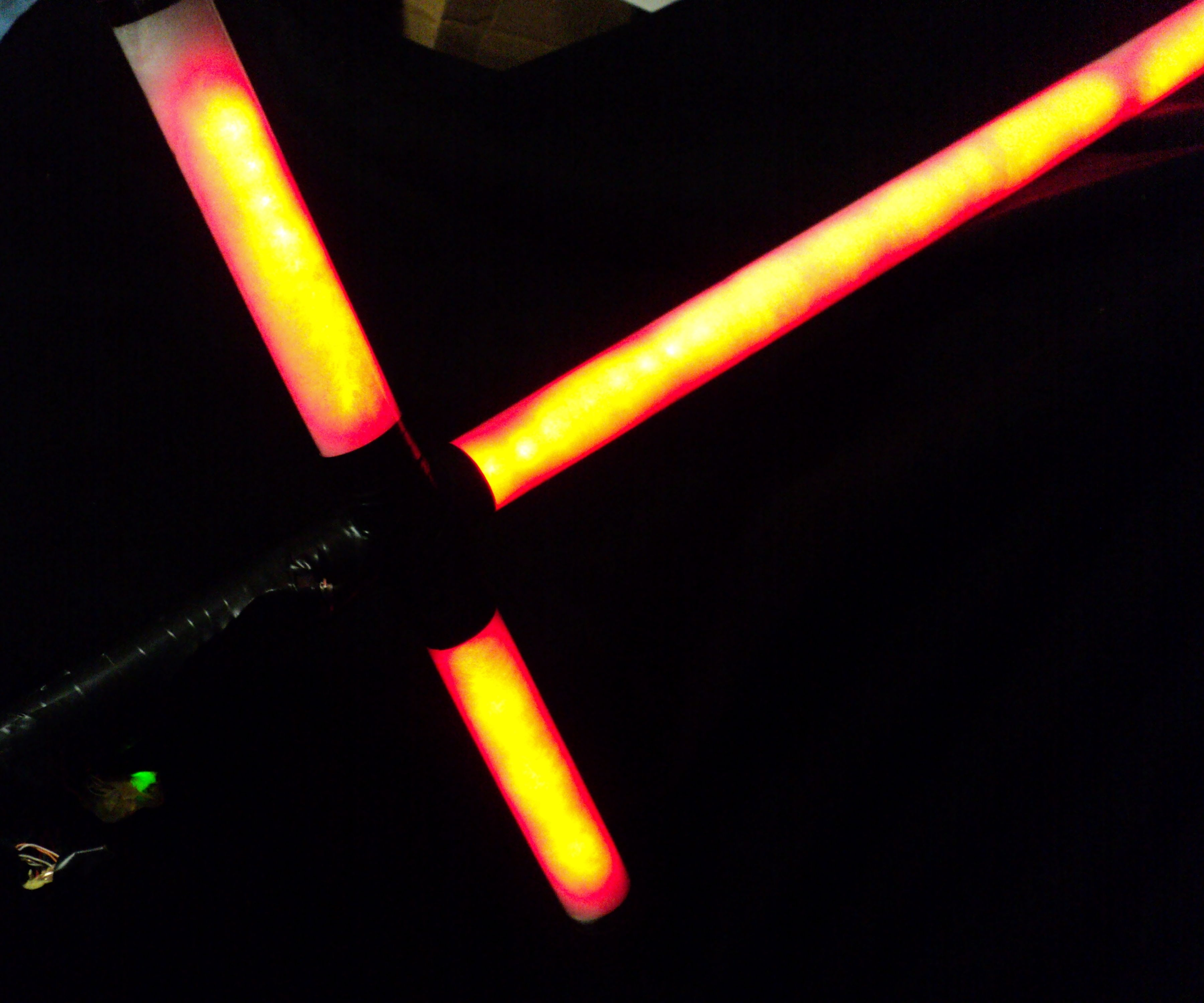 Star Wars Crossguard Neopixel Lightsaber: 5 Steps (with Pictures)