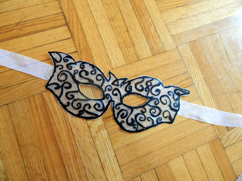 Picture of Masquerade Mask With Hot Glue