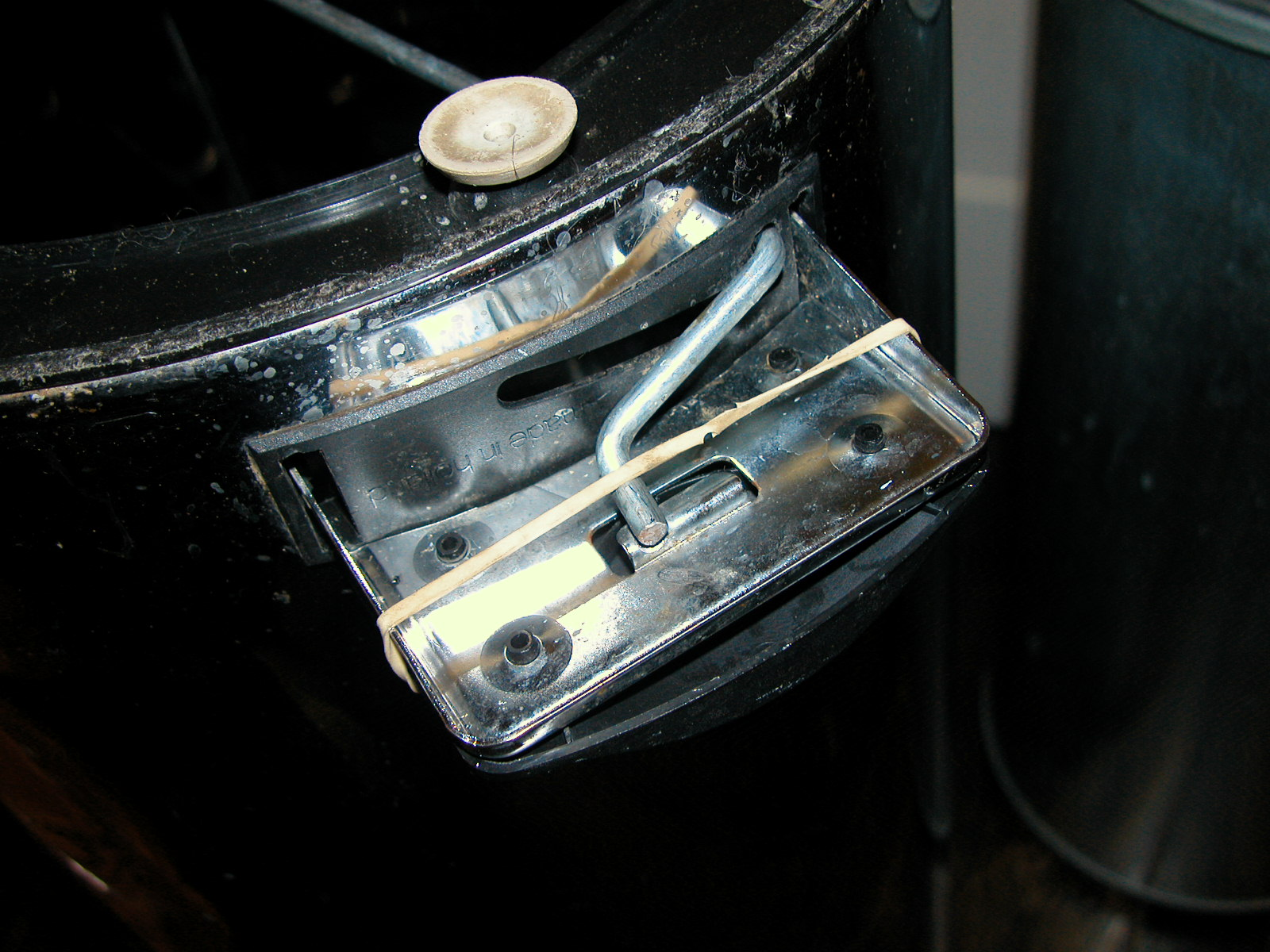 Picture of Fix a Detached Pedal Cover on Brabantia Pedal Bin