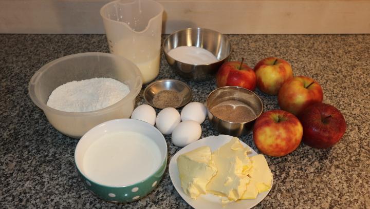 Picture of Apple Sour Cream Cake With Cinnamon Recipe