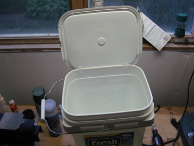 Simple Hinged Lid for a 5 Gallon Bucket