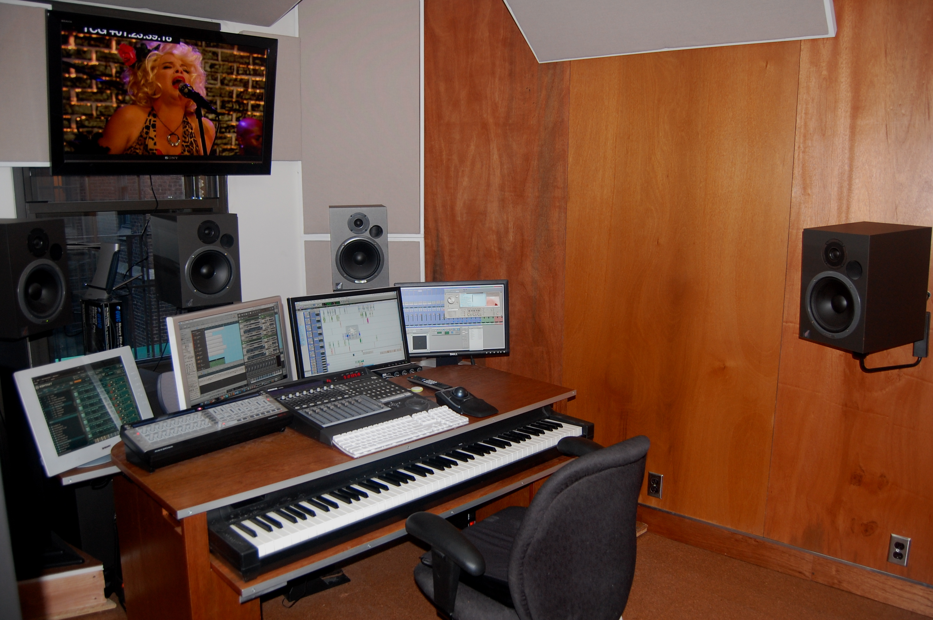 Tremendous Build A Music Studio In An Apartment Building Inspirational Interior Design Netriciaus