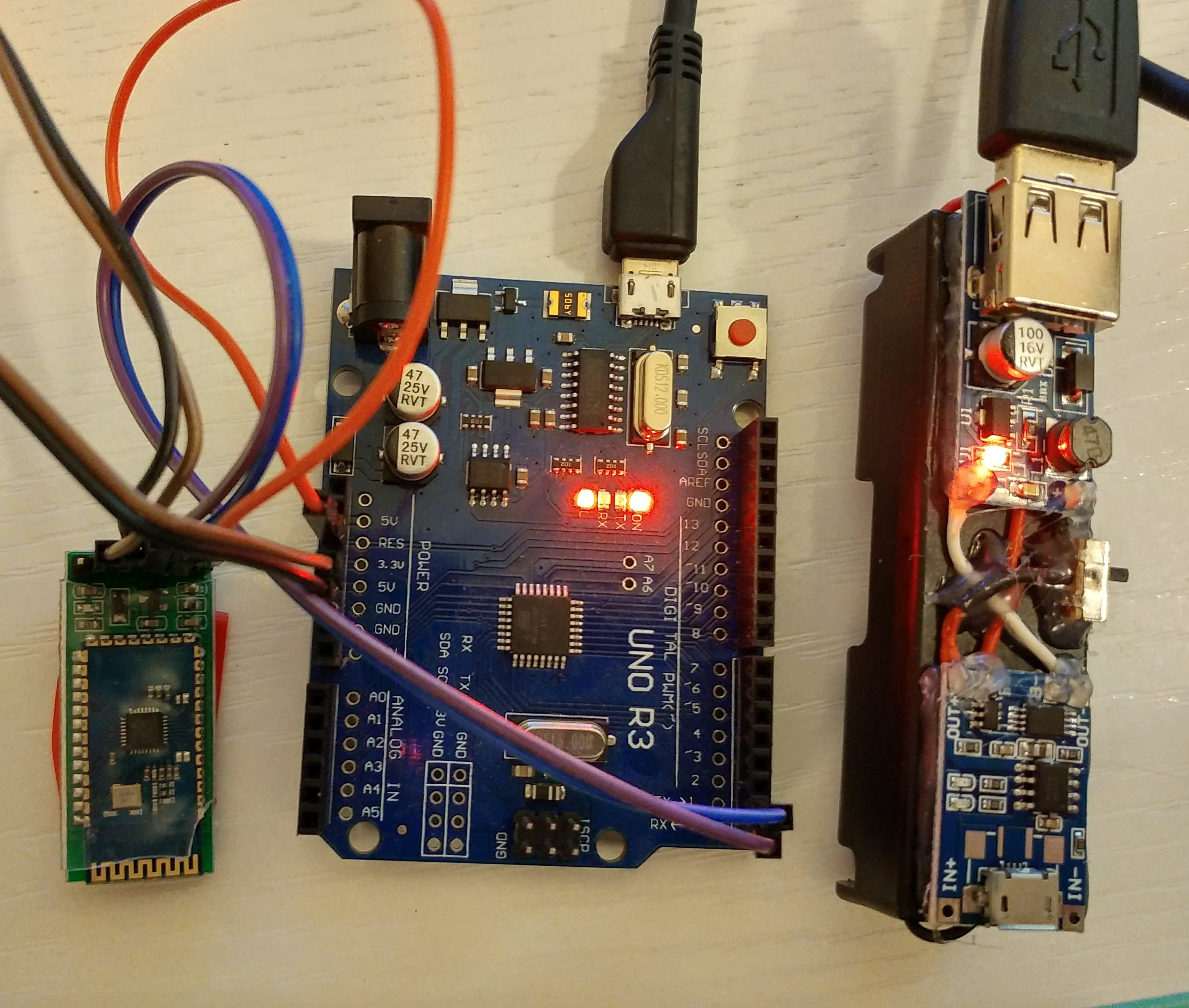 Picture of Arduino Remote/wireless Programming and Power Bank Homemade